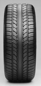 Pneus direcionais possuem uma seta indicando o sentido de rotação Foto: Divulgação/Pirelli Manutenção