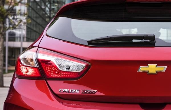 Novo Cruze hatch será revelado no Salão do Automóvel de São Paulo