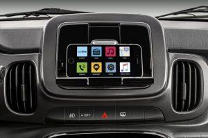 Opcional Fiat Live On transforma celular em central multimídia no Mobi |Foto: Divulgação