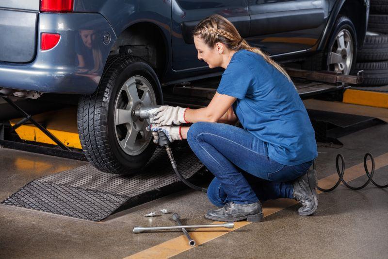 Solicite o histórico de revisões e atenção às condições mecânicas do carro seminovo