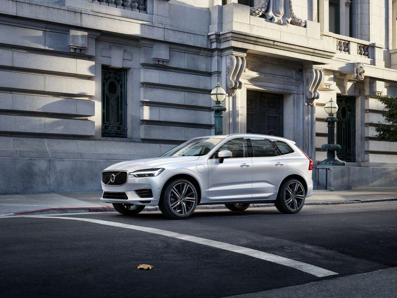 Volvo inicia pré-venda do XC60 T8; híbrido chega ao Brasil por R$ 299.950