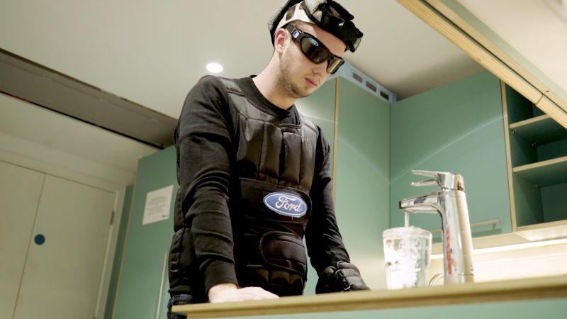 Ford desenvolve traje do sono para mostrar os perigos de dirigir cansado