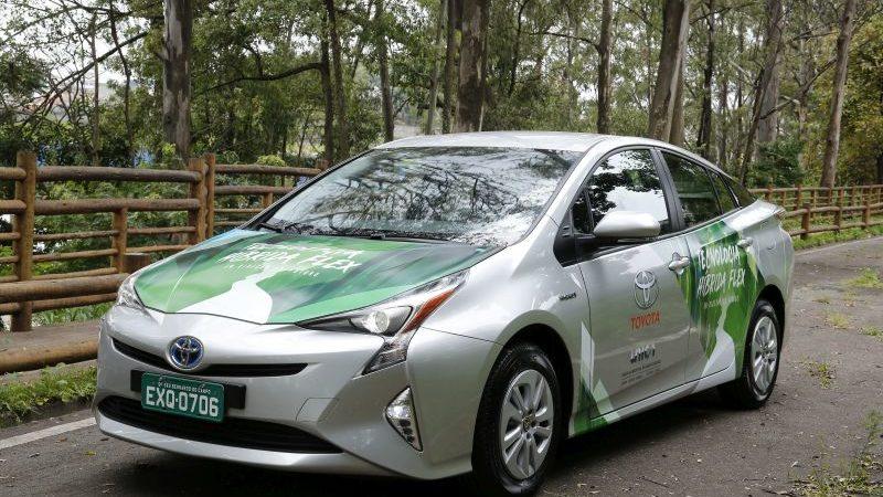 Toyota anuncia que vai produzir no Brasil o primeiro carro híbrido flex do mundo