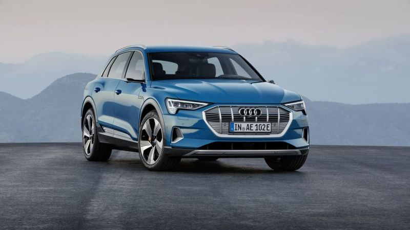 Audi inicia pré-venda do e-tron no Brasil por R$ 459.990