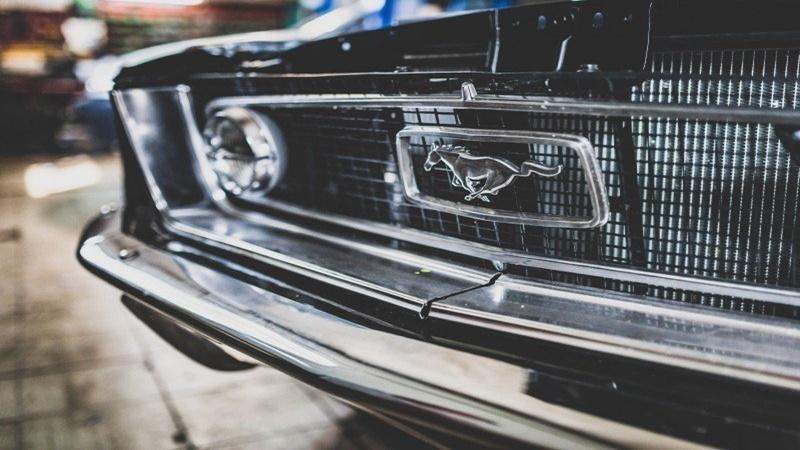 Logos de carros e mais: Sparks oferece ferramenta para criação de identidade visual