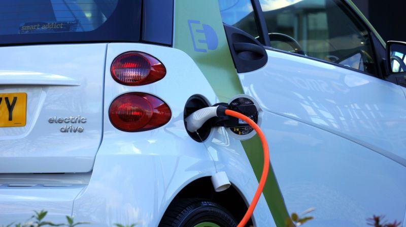 Saiba como funciona a recarga de carros elétricos