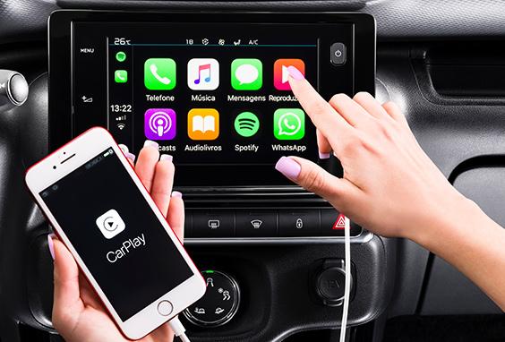 "C4 Cactus Feel vem com central multimídiatouchscreencom Citroën Connect Radio, telatouchde 7"". Também, conectividade Apple Car Play e Android Auto."