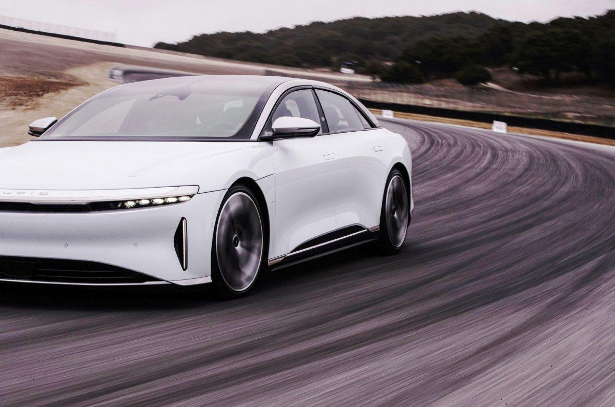 Pirelli lança nova linha de pneus para carros elétricos e híbridos