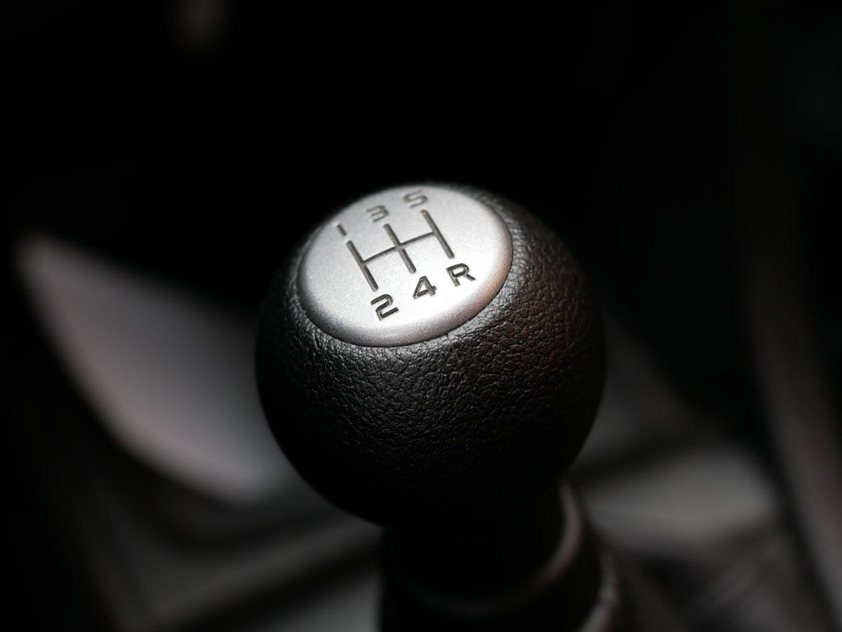 Nada mais gratificante do que conseguir comprar aquele carro zero dos sonhos, mas não é porque o veículo é novo que não é necessário ficar de olho em alguns detalhes que podem prejudicar o automóvel. Por isso, o Garagem360 separou alguns cuidados que previnem danos ao veículo.