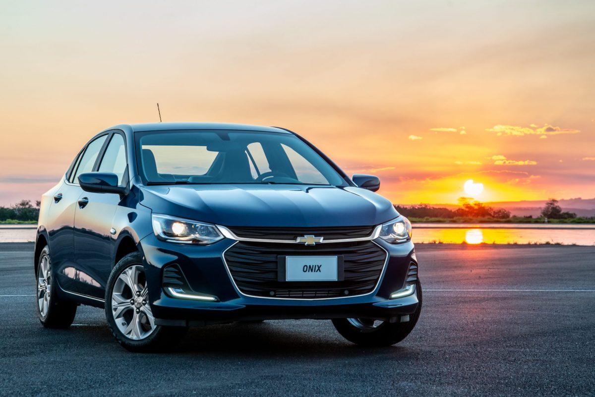 Chevrolet Onix ainda é líder