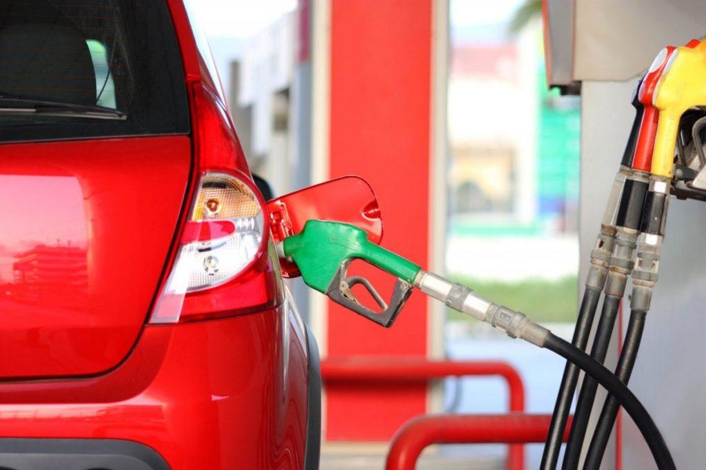 Etanol ou gasolina? Saiba qual escolher na hora de abastecer