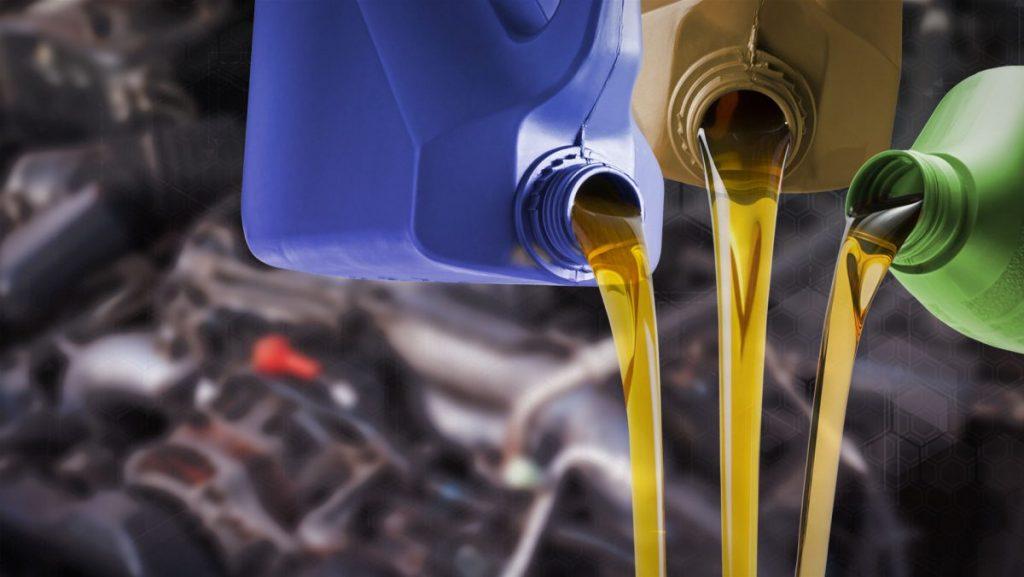 carro passando pela troca de óleo