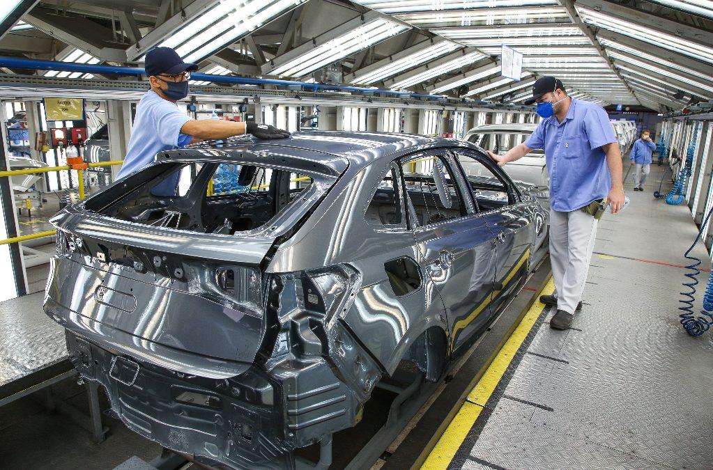 Produção de veículos em agosto de 2021 é a pior dos últimos 18 anos