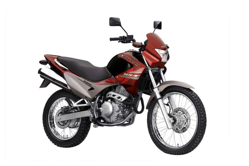 Honda XRE 190 A Honda XRE 190, modelo chegou ao mercado em 2016 e com a opção de uso misto. A versão 2016 pode ser encontrada por cerca de R$ 14 mil e possui 184,4 cc que gera 16,4 cv e torque máximo de 1,66 kgf,m de torque. As rodas são de 19 polegadas na dianteira e 17 polegadas na traseira.