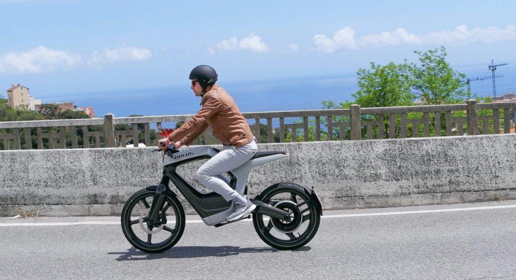 Nova moto elétrica Novus One