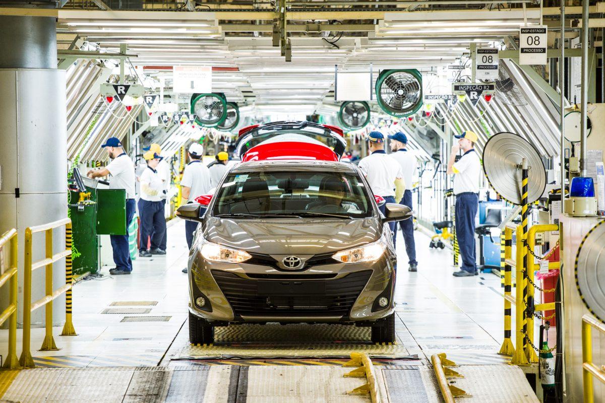 Toyota Yaris, Corolla Cross e Etios serão produzidos 24 h por dia