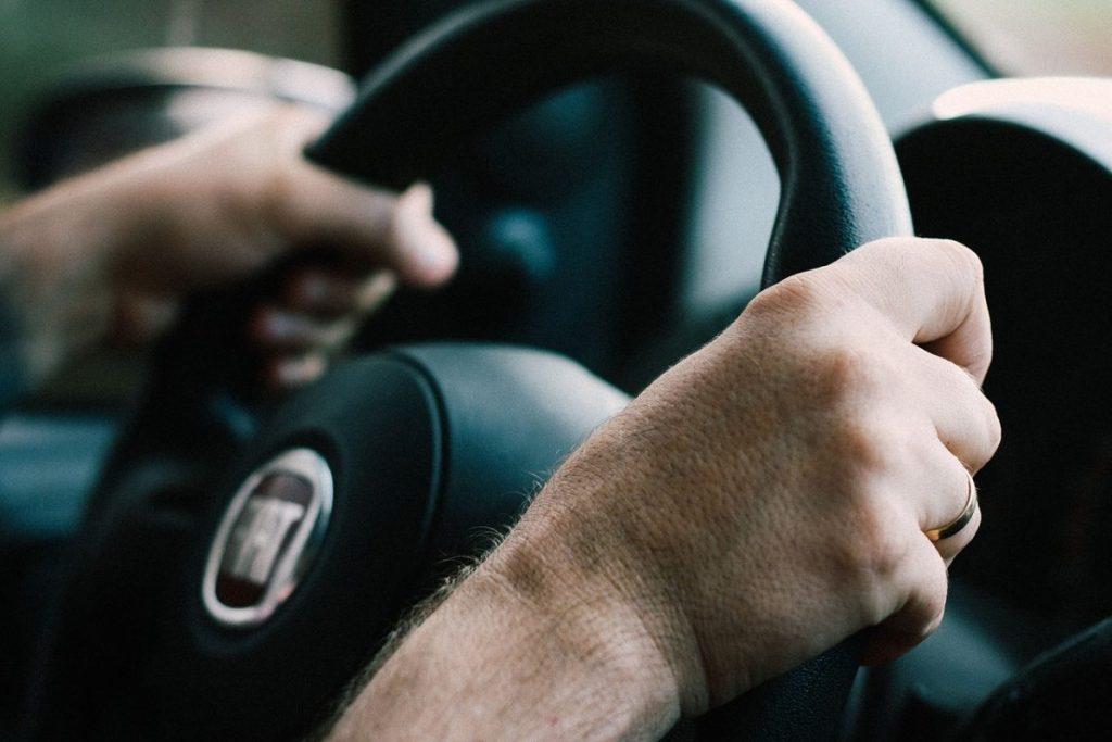 Dicas de como cuidar do carro e reduzir os poluentes