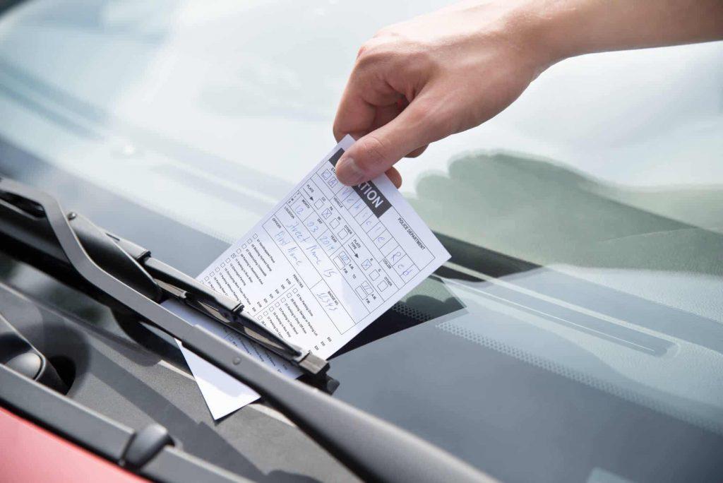 Detran.ES informa que motoristas do estado capixaba que foram multados podem obter até 40% de desconto no pagamento da multa
