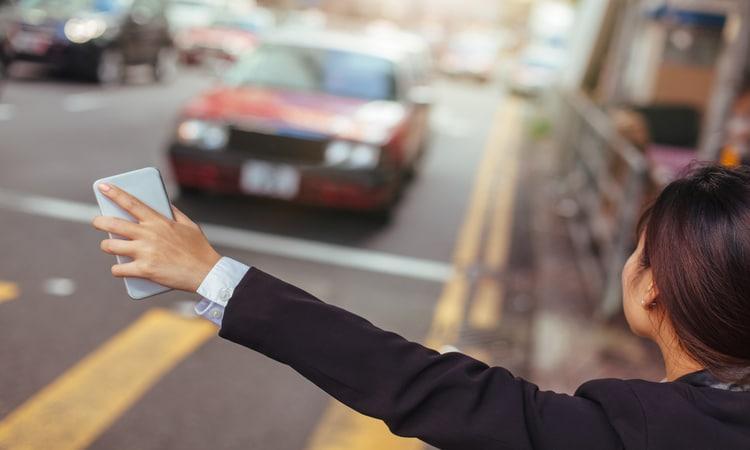 motoristas de transportes por app aceitam as viagens e acabam desistindo