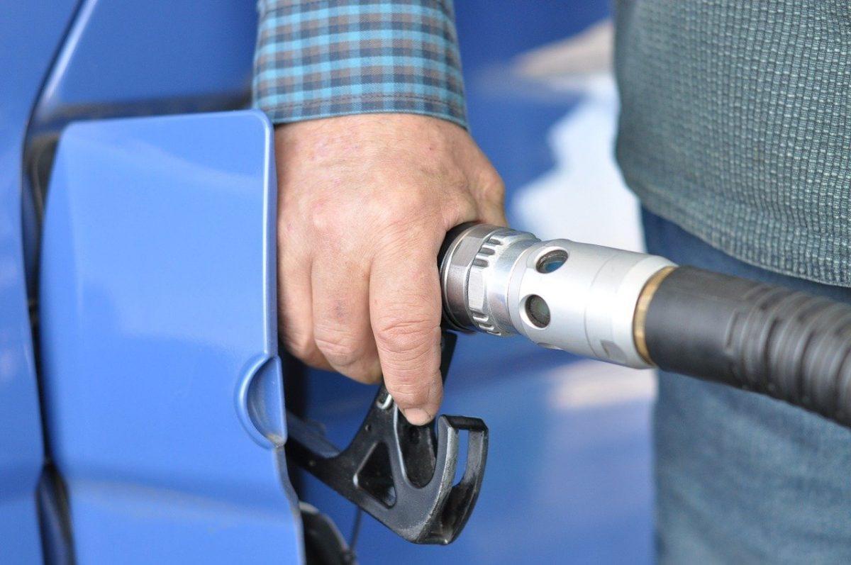 preço da gasolina tem alta de 30% sobre janeiro