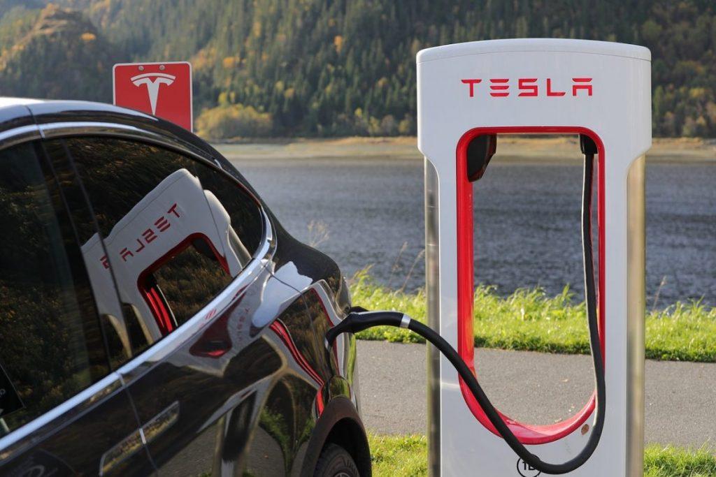 carros híbridos e elétricos crescem no mercado nacional