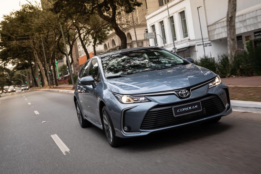 Toyota Corolla agora sai de fábrica sem a central multimídia