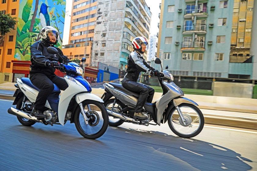 Linha Honda Biz 2022: motos ganham novos grafismos e cores