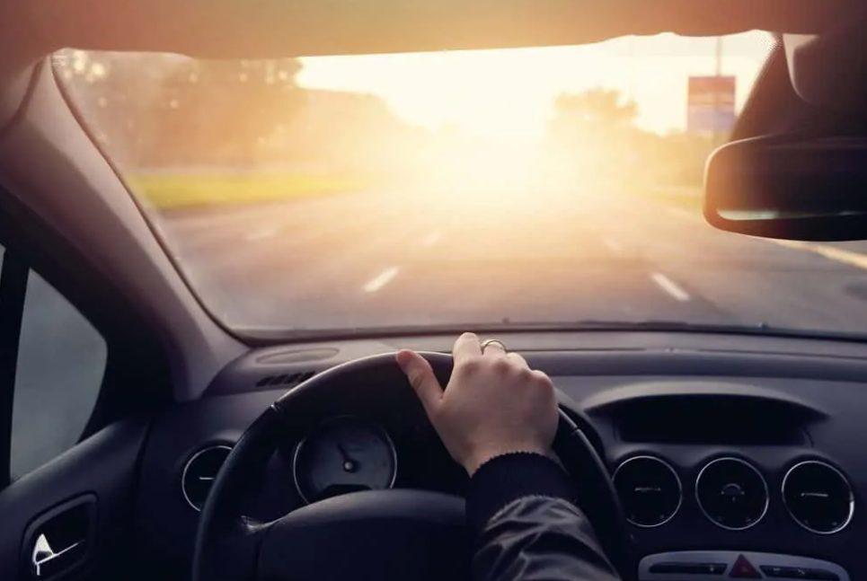 Conheça as vantagens da película automotiva