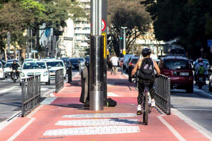 Google Maps contará com navegação inteligente para ciclistas